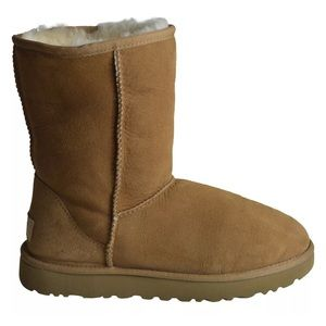 UGG WOMENS CLASSIC SHORT II BOOT CHESTNUT COLOR